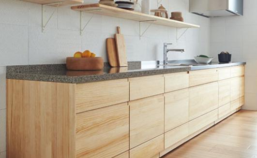 標準仕様6/  木のキッチンの採用