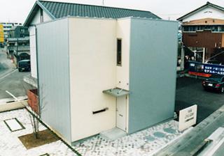 断熱・遮音・調湿に優れた断熱材を使用(壁体内無結露20年保証)