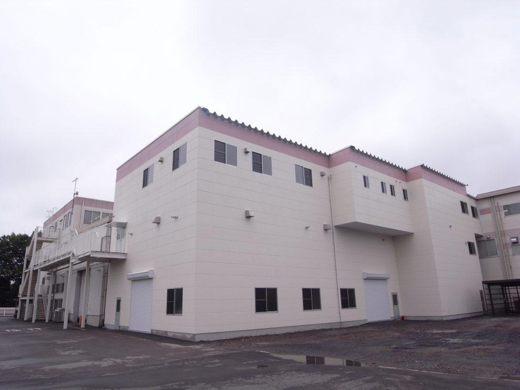 岩崎電気(株)